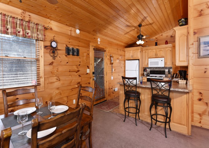 Gatlinburg - A Million Dollar View - Dining Room/Kitchen