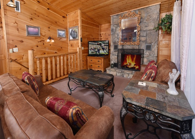 Gatlinburg - A Million Dollar View - Living Room