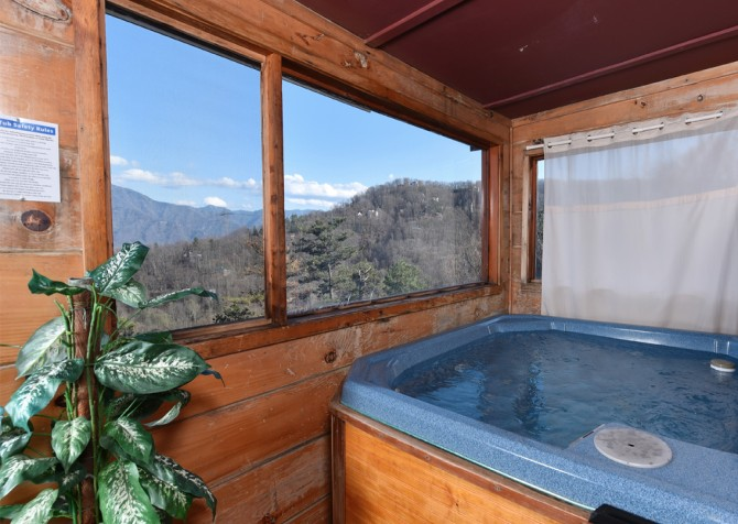 Gatlinburg - A Million Dollar View - Hot Tub