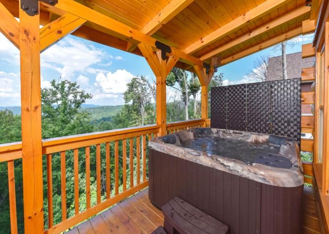 Gatlinburg - A Wildflower Retreat - Hot Tub