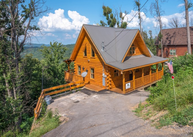 Gatlinburg - A Wildflower Retreat - Exterior
