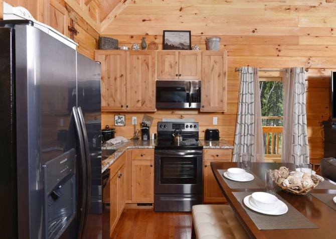 Gatlinburg - A Wildflower Retreat - Kitchen
