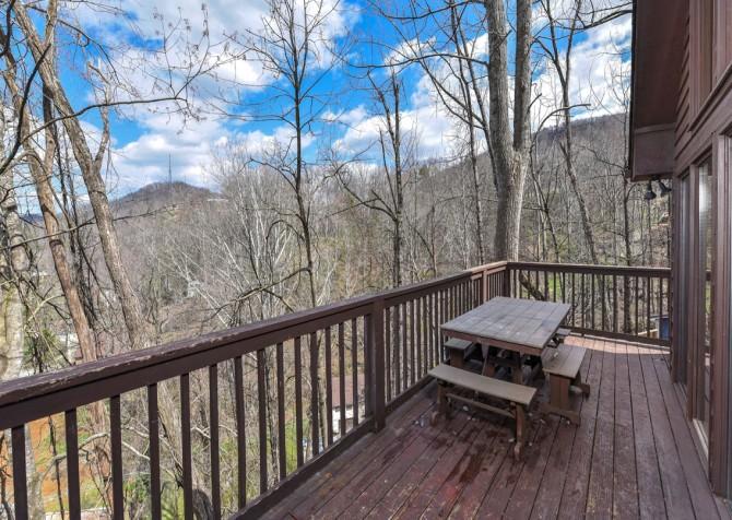 Gatlinburg - Aaron's Lodge - Open Deck/View