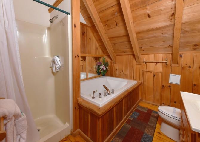 Gatlinburg Cabins - Bella Vista - Bathroom