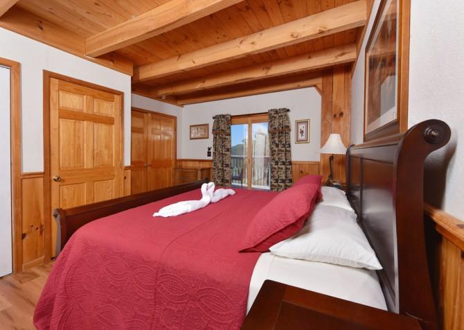 Gatlinburg Cabins - Bella Vista - Bedroom