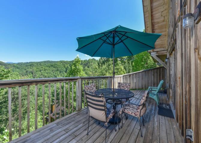 Gatlinburg Cabins - Bella Vista - Deck Dining