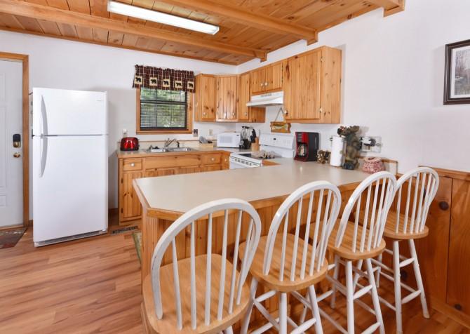 Gatlinburg Cabins - Bella Vista - Kitchen/Dining
