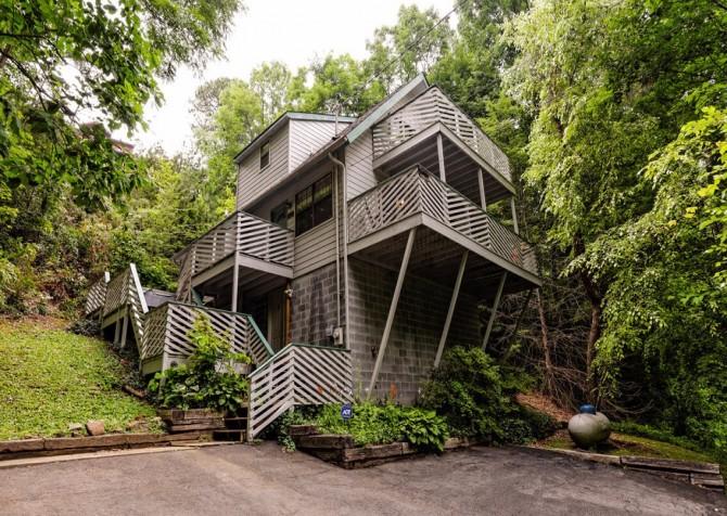 gatlinburg cabin - bonnie and clyde - exterior