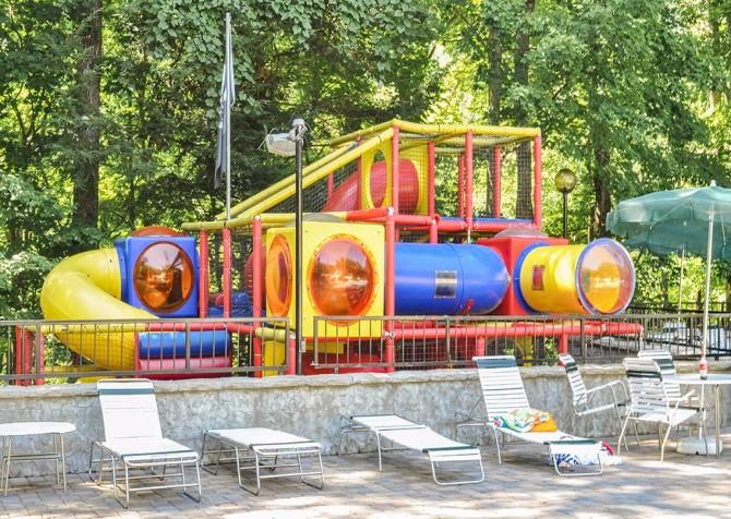 gatlinburg cabin - bonnie and clyde - resort play ground