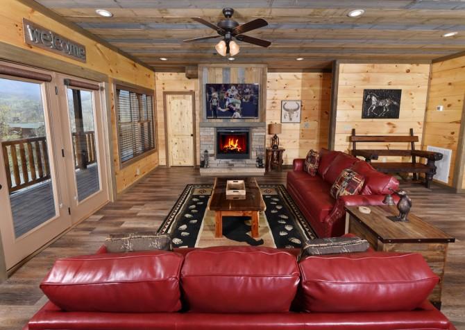 Gatlinburg - Cherokee Dreams Lodge - Living Room