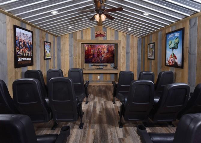 Gatlinburg - Cherokee Dreams Lodge - Theater Room