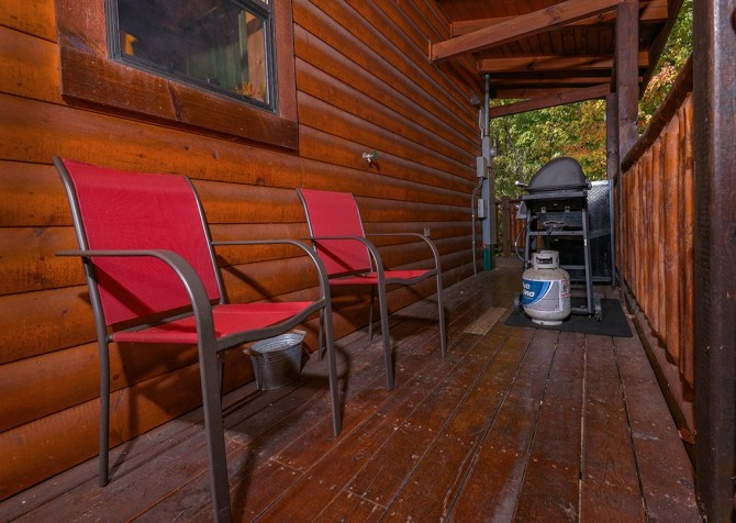pigeon forge cabin – cozy cabin – exterior