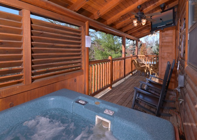pigeon forge cabin – dancing with the stars – Hot Tub