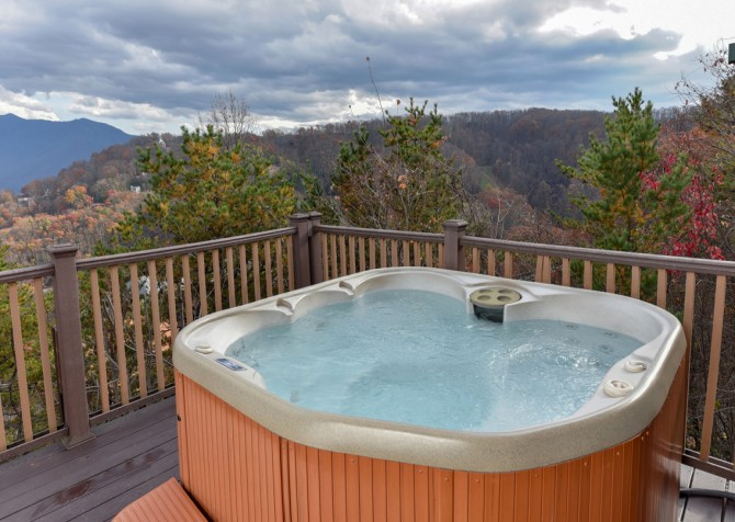 Gatlinburg Cabin - Eagle's Nest - Hot Tub