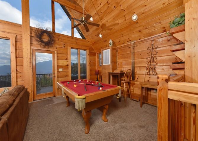Gatlinburg Cabin - Eagle's Nest - Pool Table