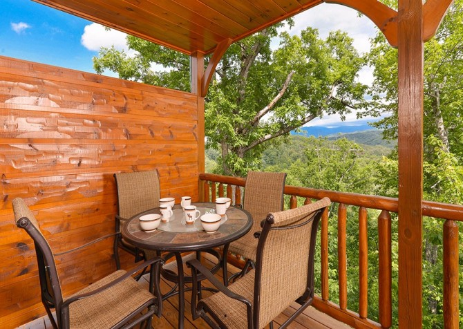 pigeon forge cabin – endless views and a theater – exterior