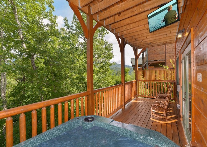 pigeon forge cabin – endless views and a theater – exterior hot tub
