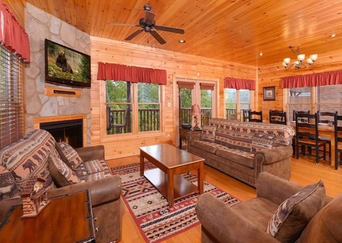 pigeon forge cabin – endless views and a theater – living