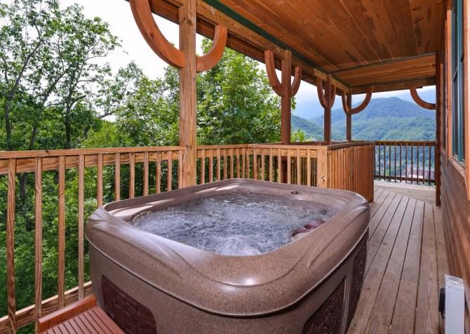 gatlinburg cabin - gatlinburg amazing grace - hot tub