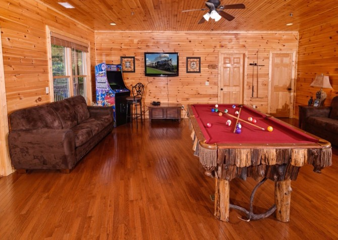 gatlinburg cabin - gatlinburg amazing grace - game room