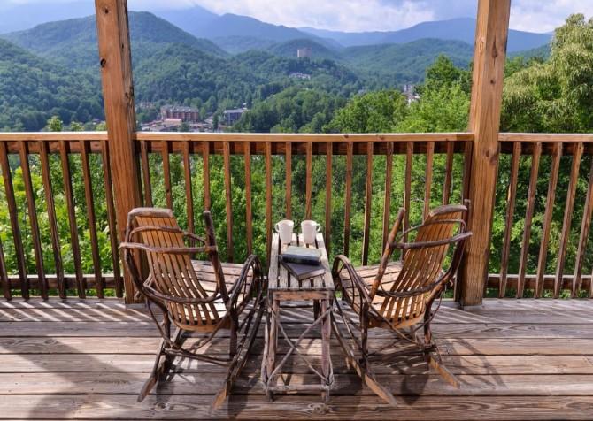 gatlinburg cabin - gatlinburg amazing grace - exterior