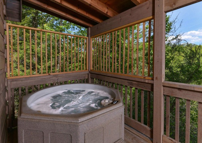 gatlinburg cabin - gatlinburg secret splash - hot tub