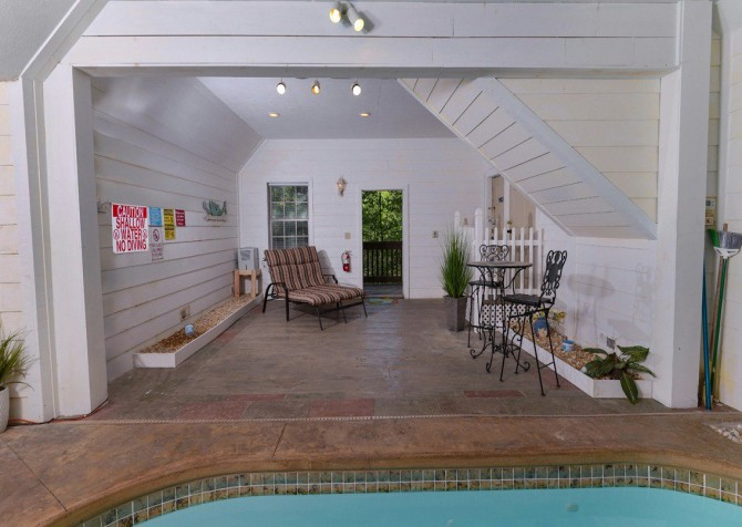 gatlinburg cabin - gatlinburg secret splash - indoor pool