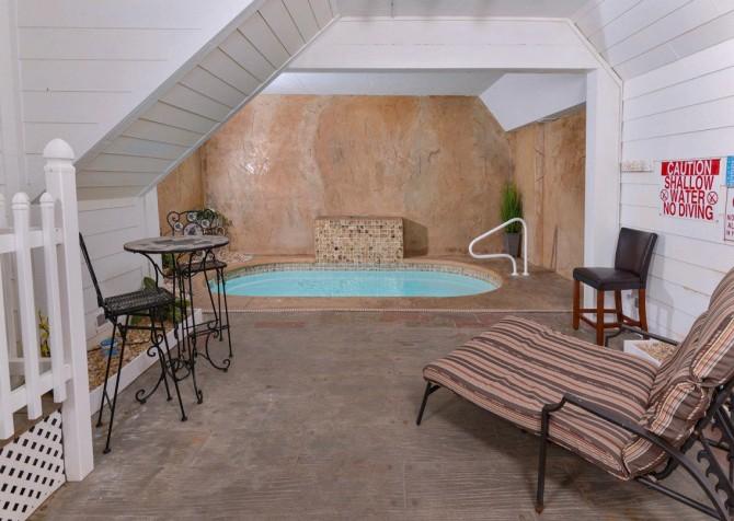 gatlinburg cabin - gatlinburg secret splash - indoor pool