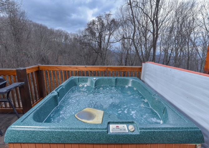 Gatlinburg Cabins - Gigi's Getaway - Hot Tub
