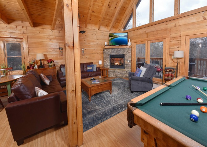 Gatlinburg Cabins - Gigi's Getaway - Living Room