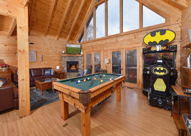 Gatlinburg Cabins - Gigi's Getaway - Pool Table