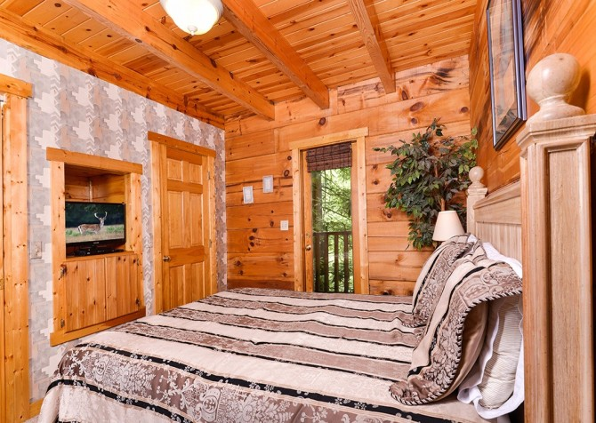 Pigeon Forge – Hacienda – Bedroom One TV