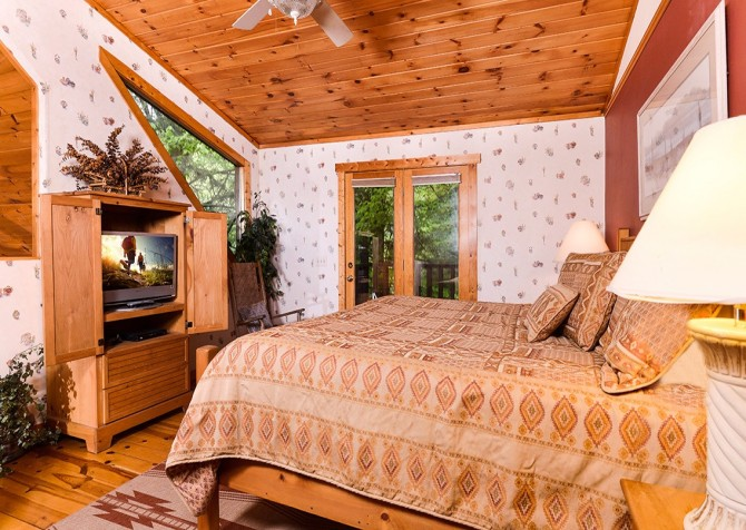 Pigeon Forge – Hacienda – Bedroom Two TV