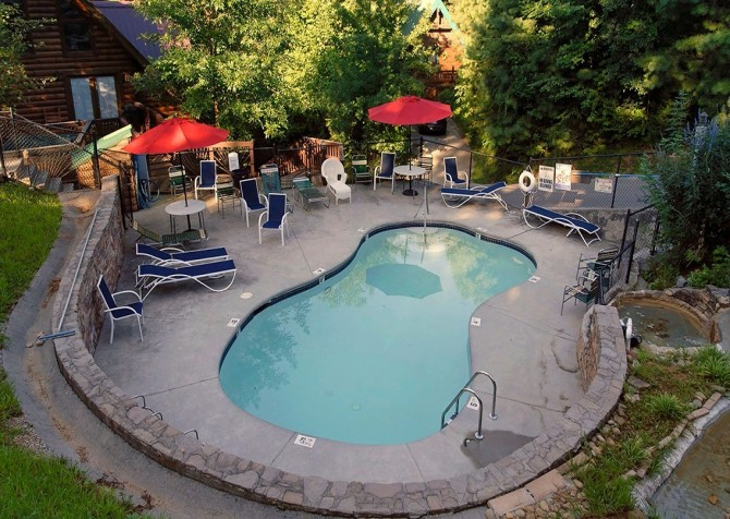 Pigeon Forge – Mountain Shadows Resort – Pool