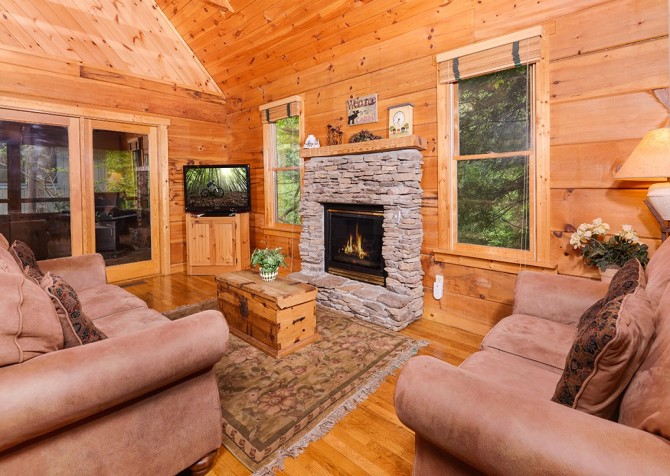 Pigeon Forge – Hacienda – Living Room TV