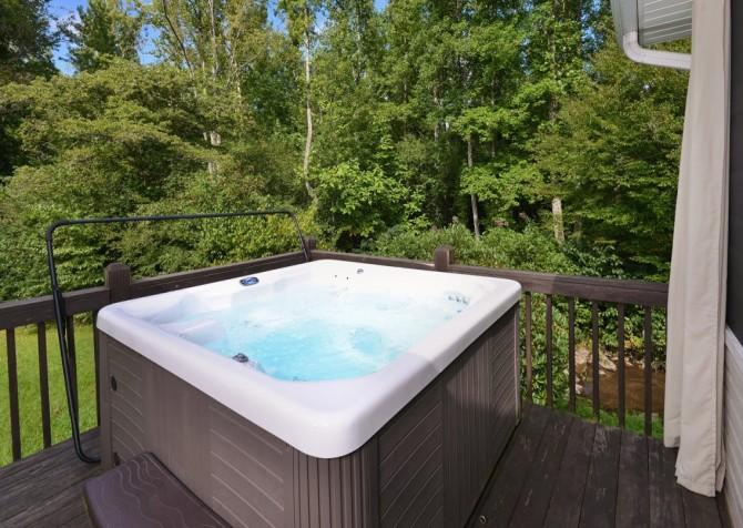 gatlinburg cabin - hen wallow creek cottage - hot tub
