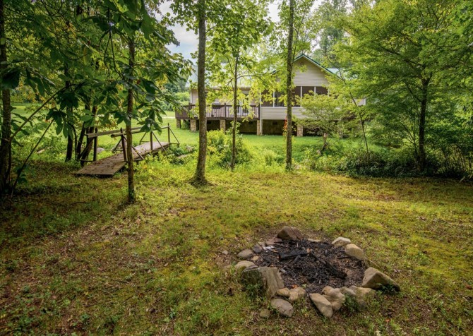 gatlinburg cabin - hen wallow creek cottage - exterior
