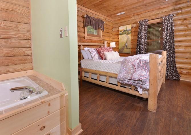 gatlinburg cabin - kandy kisses - bedroom