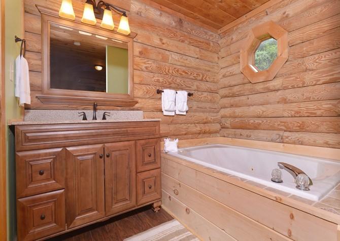 gatlinburg cabin - kandy kisses - bathroom