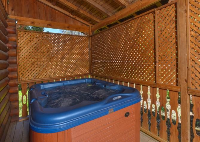 Gatlinburg - Kandy Kisses - Hot Tub