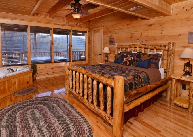 Sevierville - Like A Comet - Bedroom