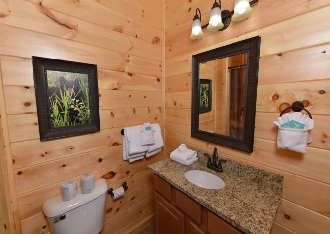 Gatlinburg - Moose Tracks - Bathroom