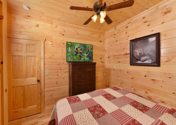 Gatlinburg - Moose Tracks - Bedroom