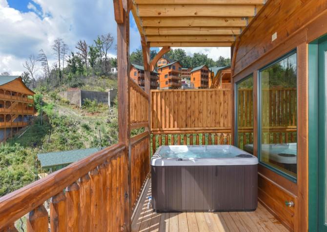Gatlinburg - Moose Tracks - Hot Tub