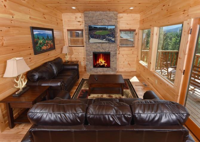 Gatlinburg - Moose Tracks - Living Room
