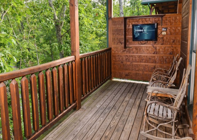 Gatlinburg - Mountain Getaway and a Theater- deck