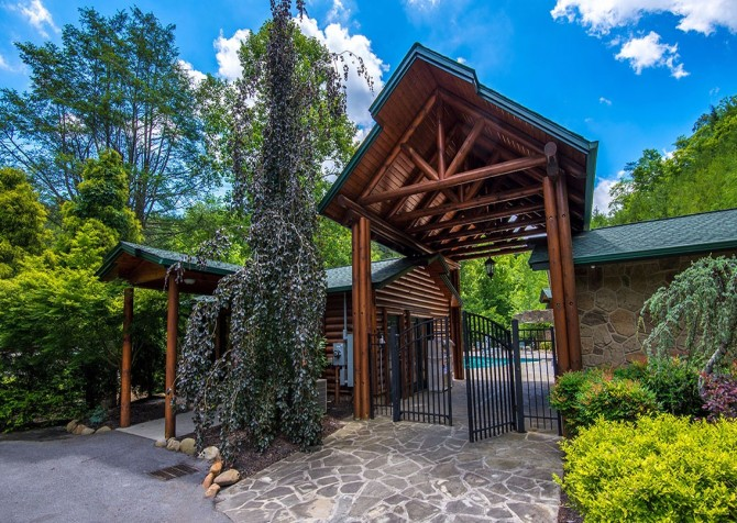 Gatlinburg- Mountain Getaway and a Theater- resort