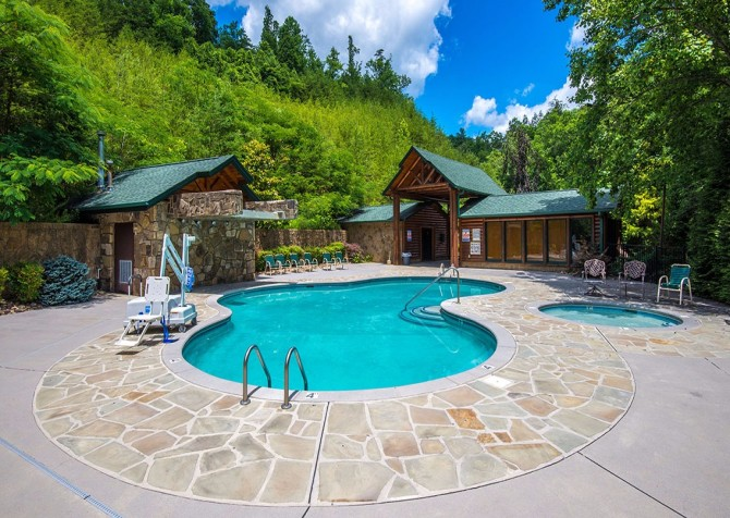 Gatlinburg - Mountain Getaway and a Theater- pool