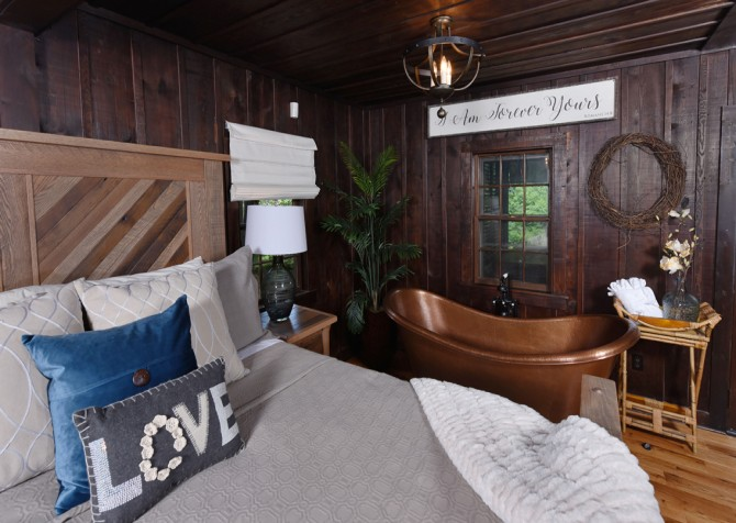 gatlinburg cabin – on the river – bedroom