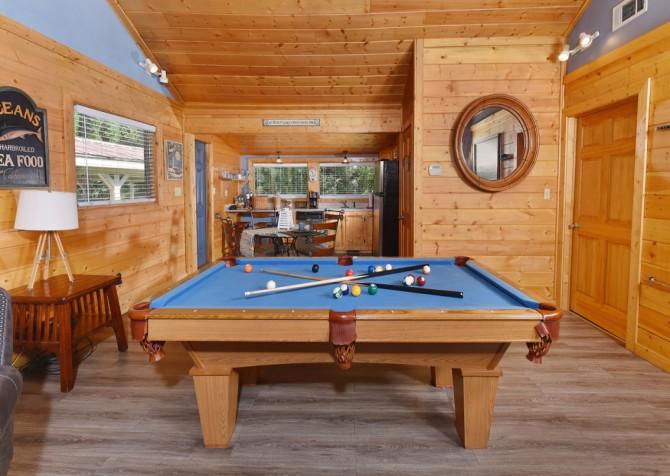 Gatlinburg - Pooling Around - Recreation